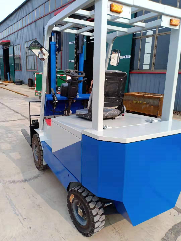 克拉玛依四轮电动叉车堆高电动叉车电动叉车那里有卖的