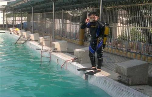 德阳市潜水员作业公司@水下施工队
