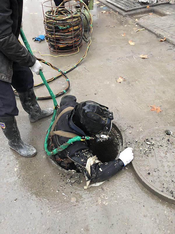 西藏省日喀则市污水管道水下封堵