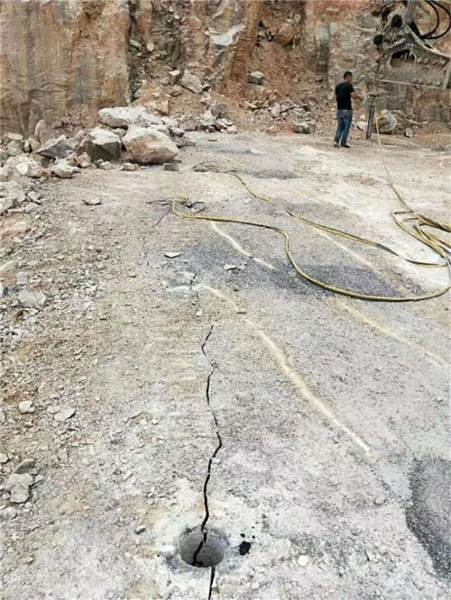 不用液压破石机械挖机吊载式130#愚公斧劈裂棒临沂罗庄: