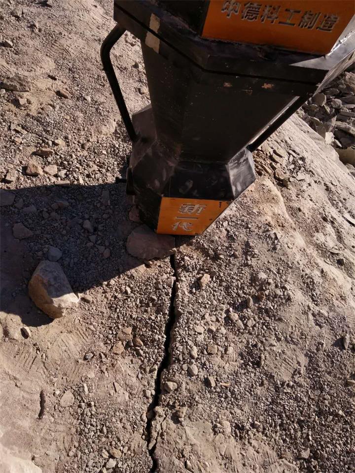 天津:静态液压开石机