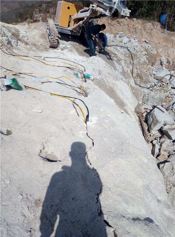 天津:花岗石采石场荒料开采设备