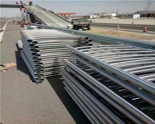 新余不锈钢桥梁防护栏杆安全防护