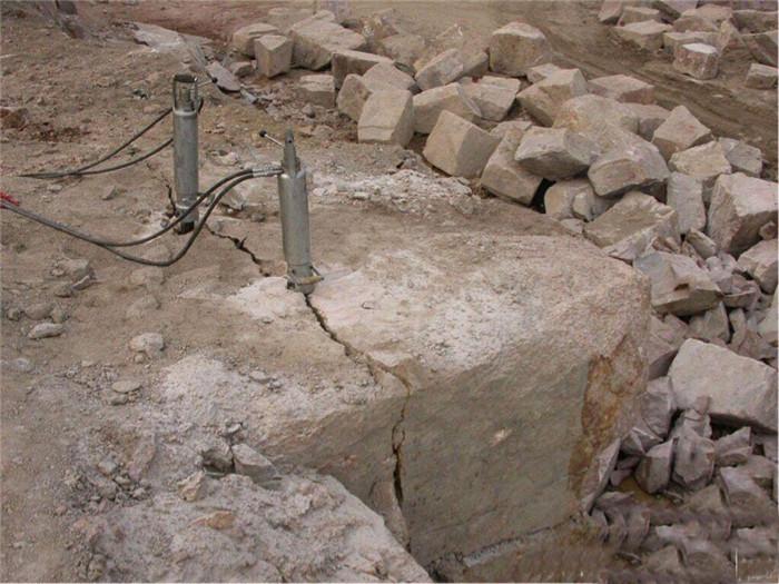 岩石破碎劈裂机案例