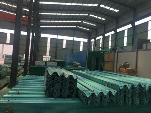 浙江公路镀锌波形护栏板配件厂家