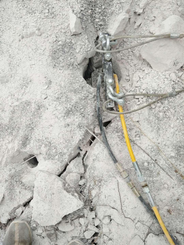安徽省蚌埠市青石地基開挖機載破石機規模