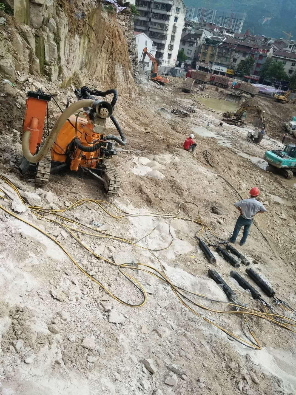 安徽省蚌埠河道挖渠巖石分裂機高效破石