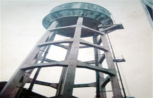 阿坝40米烟囱安装旋转楼梯新闻简要