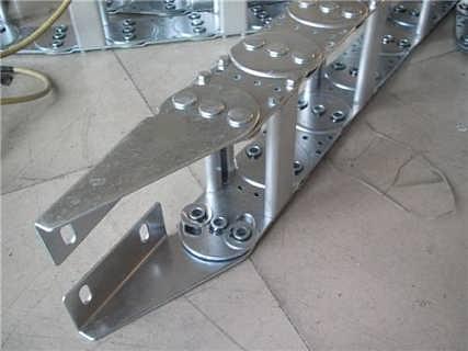 阿坝市机床钢制拖链供应厂家