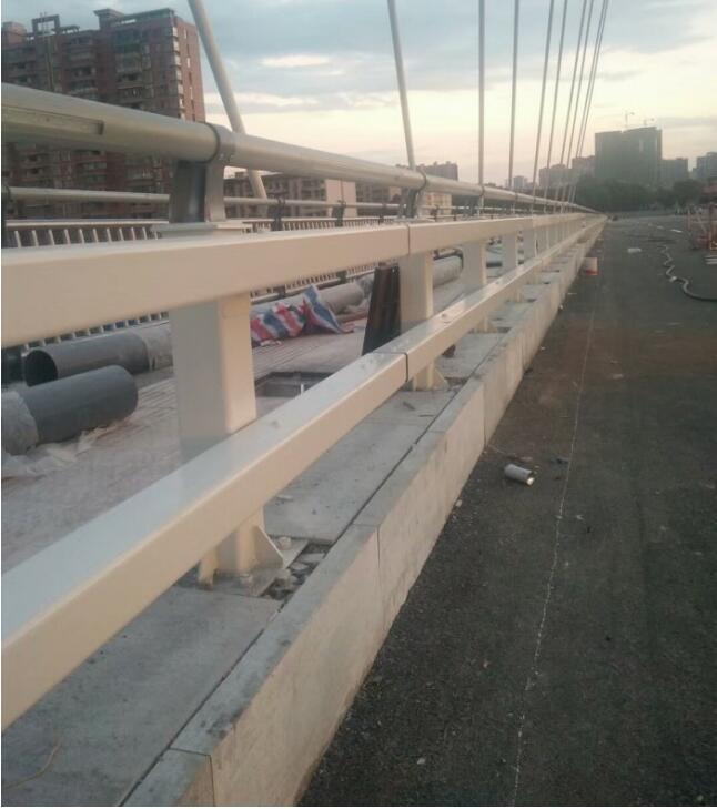山东不锈钢复合管护栏推荐聚宜兴护栏