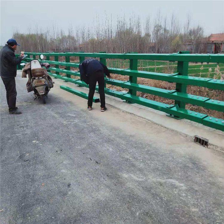 汉中碳素钢防撞护栏都找聚宜兴