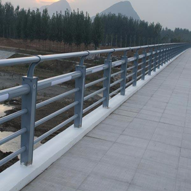 汉中公路防撞护栏力推聚宜兴