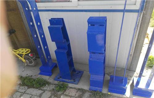 舟山不锈钢碳素钢复合管人行道护栏每款均足厚