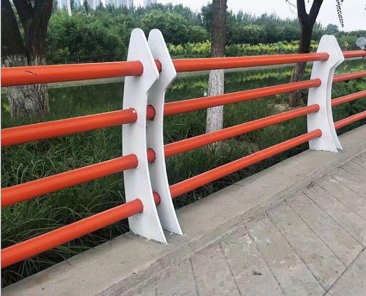 德州复合管马路隔离栏杆样式新颖多样