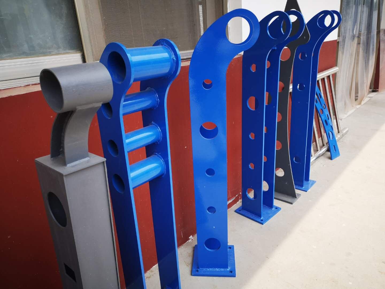 济南三横梁式防撞护栏多年厂家可信赖
