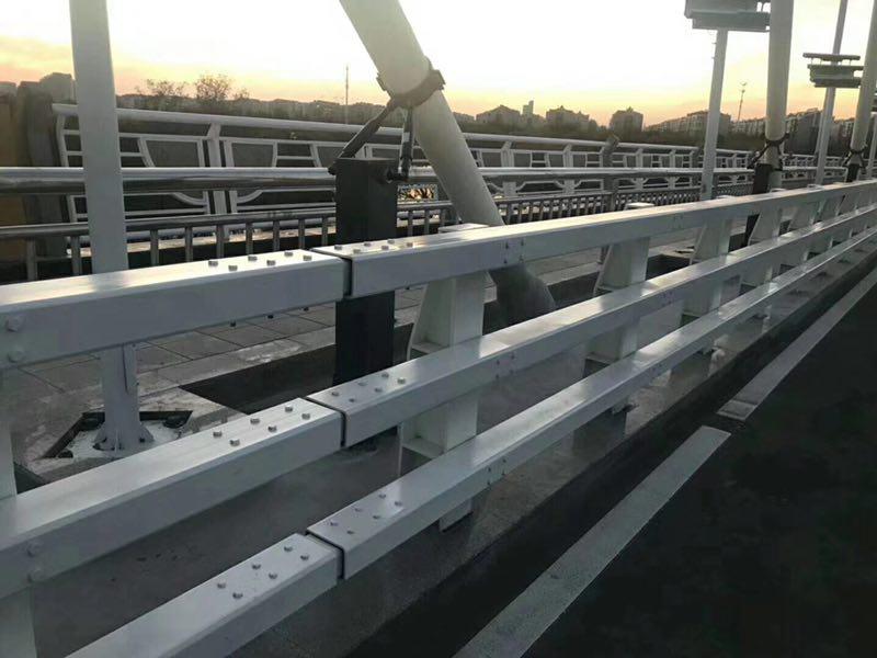 汉中景观不锈钢防撞栏杆多层防腐耐用