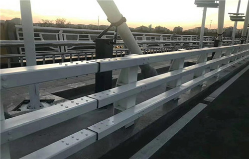 济南不锈钢栏杆桥梁立柱产品价格