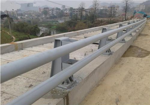 北京不锈钢碳素钢复合管栏杆那个厂家好