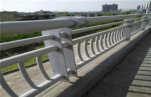 黑龙江碳素钢喷塑栏杆非标价格