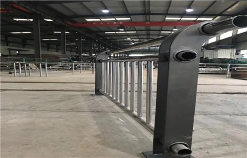 洛阳不锈钢桥梁护栏厂家-201不锈钢复合管栏杆价格