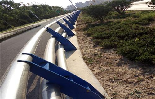 抚州不锈钢桥梁防撞护栏立柱公司
