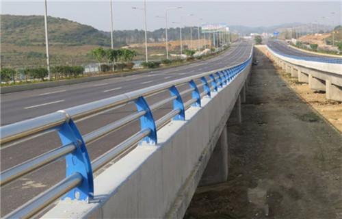 马鞍山碳素钢方管防撞护栏生产厂家