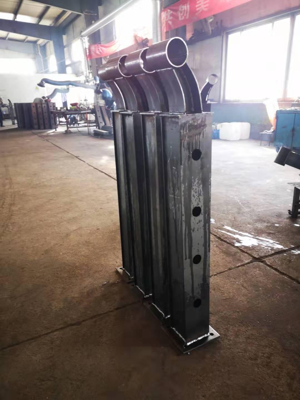 西宁碳钢异型管防撞护栏生产厂家