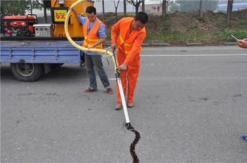 新闻:黔西南水泥路面灌缝胶的用途