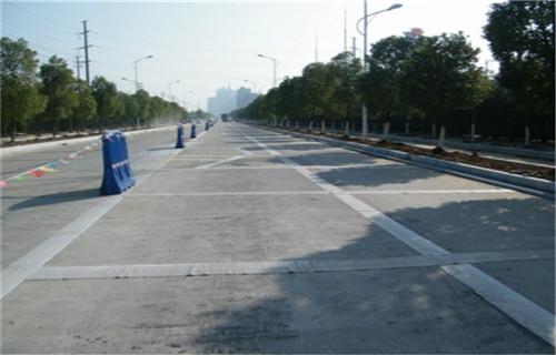 新闻:贵州黔西南道路填缝胶+防裂贴根治裂缝批发价