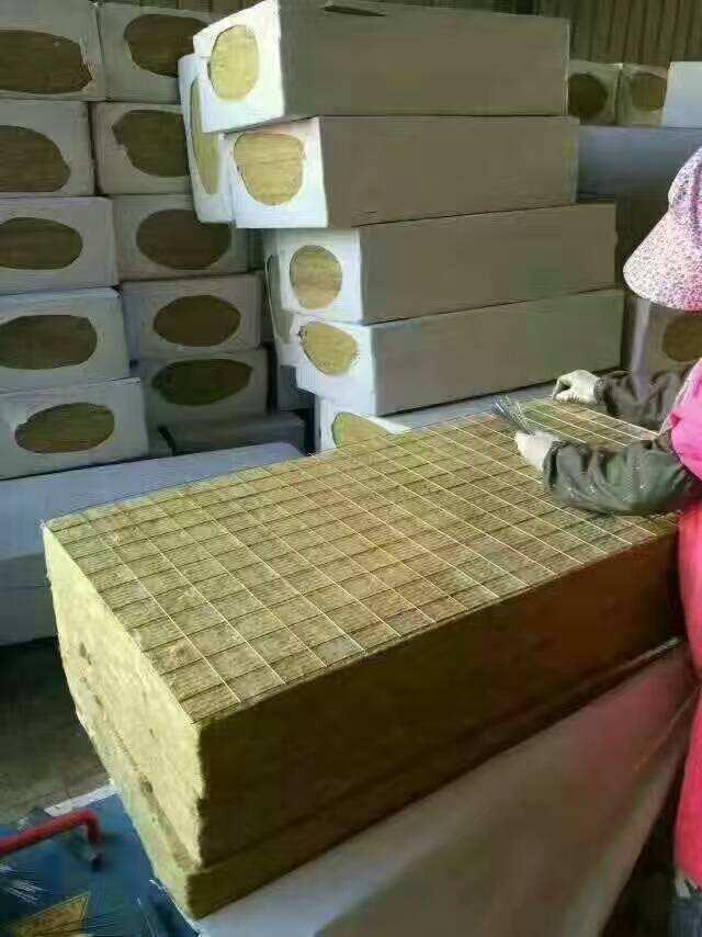 蚌埠巖棉板廠家國標A級巖棉外墻保溫板說明
