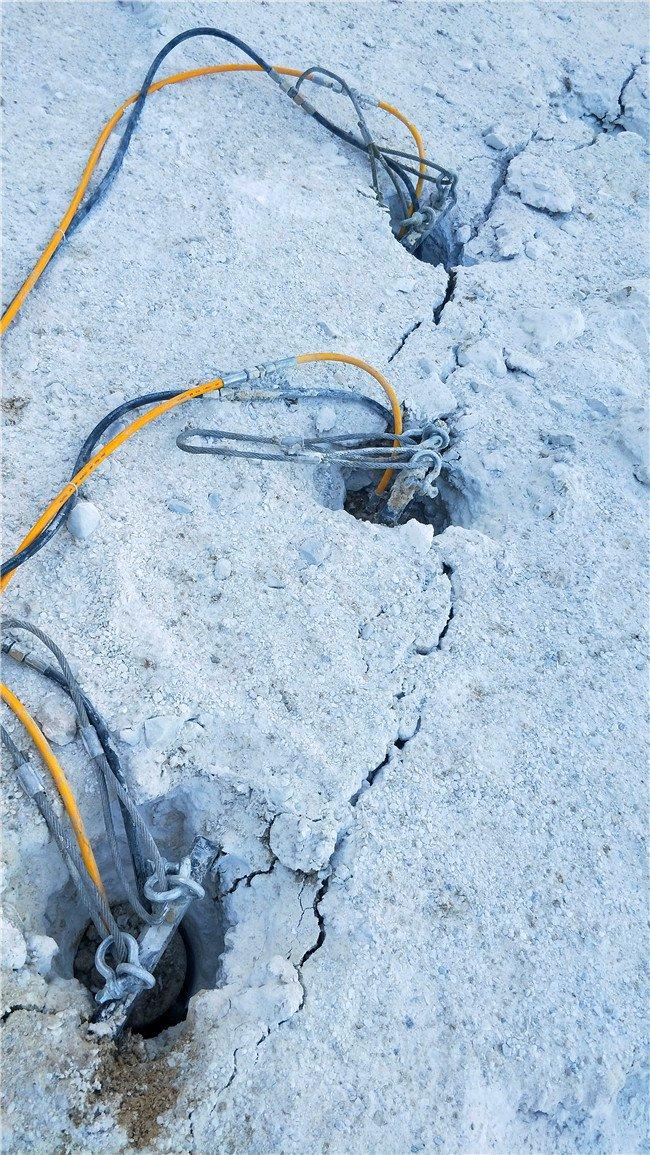 百色坚硬石头被大型岩石分裂棒快破裂了哪里有卖