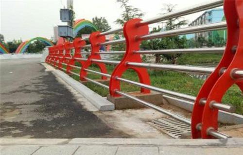 东营304不锈钢复合管栏杆生产直销