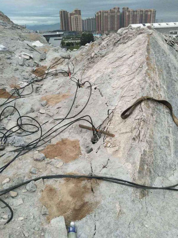 采石场用什么机器开采石头产量高无锡