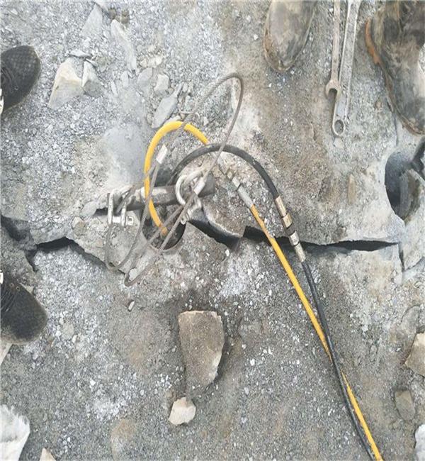 矿山开采破石头机器产量高咸宁