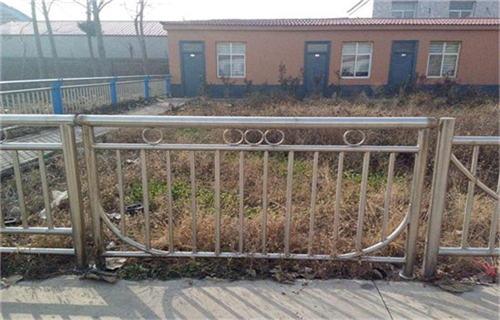 安徽不锈钢碳素复合管多少钱一吨