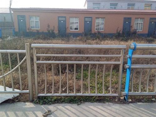 蚌埠不銹鋼復合管護欄廠家規格型號