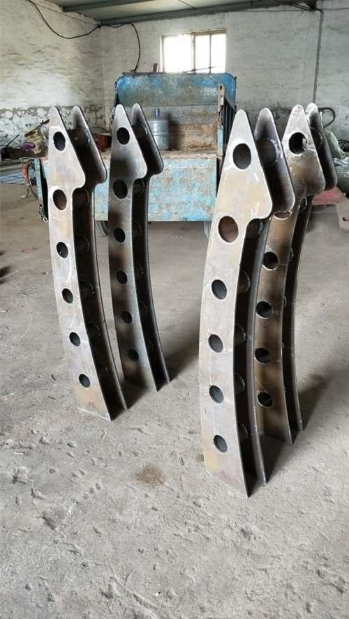 辽宁不锈钢碳素钢复合管栏杆专业销售
