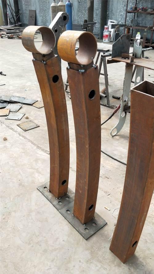 辽宁不锈钢碳素钢复合管护栏现货库存