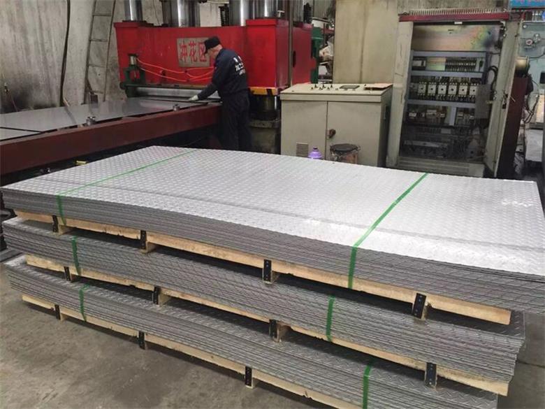 湖南201不锈钢板现货库存专业销售