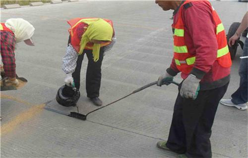 新闻:湖南加热型公路灌缝胶施工详情简单好用