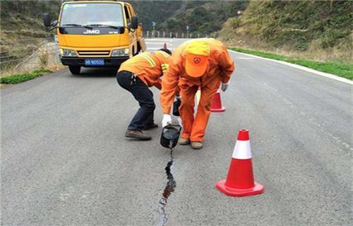 海南热熔型道路密封胶冬季施工不脆裂