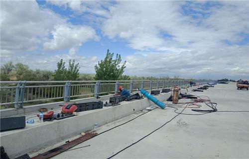 湖南桥梁护栏立柱板实体厂家