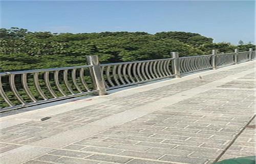 湖南碳钢喷塑护栏生产经验丰富