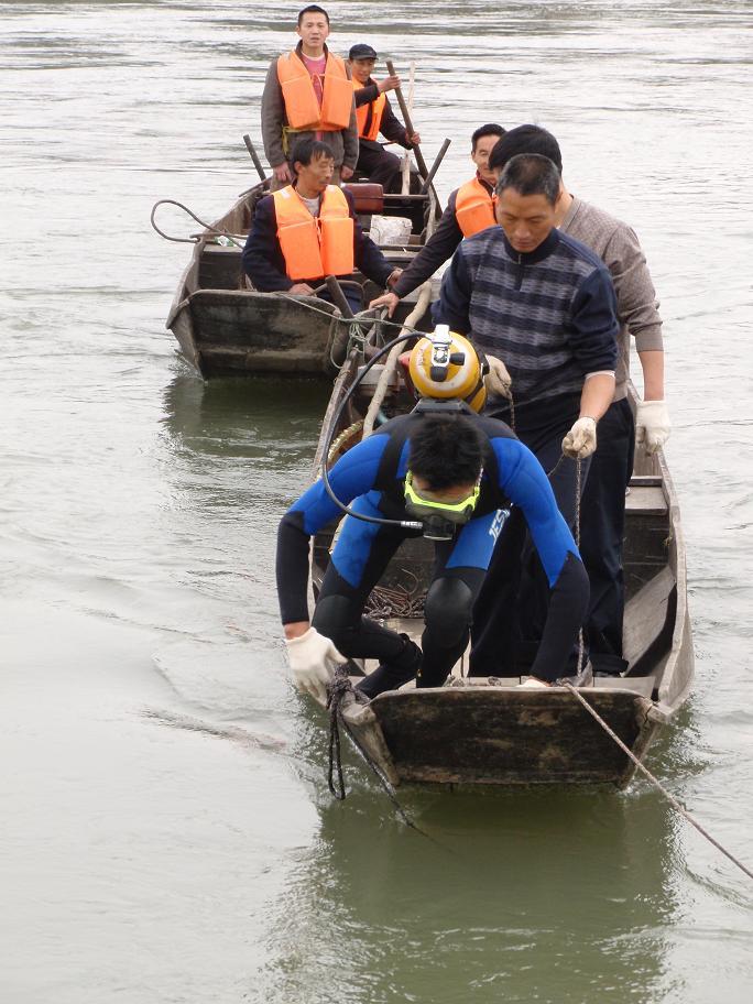 蚌埠潛水打撈隊-汽車打撈