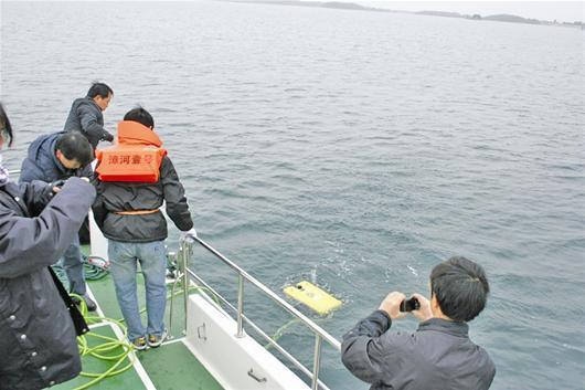 蚌埠潛水打撈隊-手機打撈