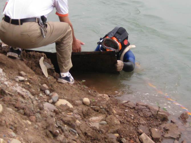 蚌埠打撈隊潛水員打撈隊