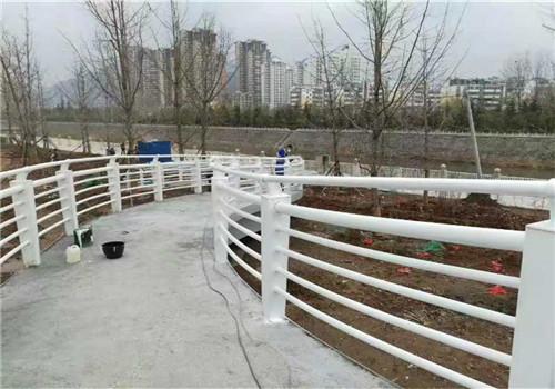 黑龙江不锈钢防撞护栏排行榜//普新金属