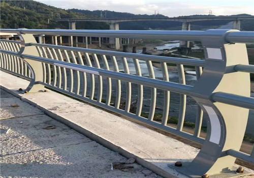 西宁不锈钢河道栏杆的用途//普新金属