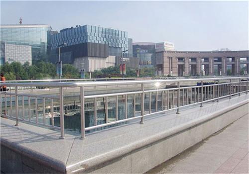 黑龙江齐全的桥梁景观护栏供应