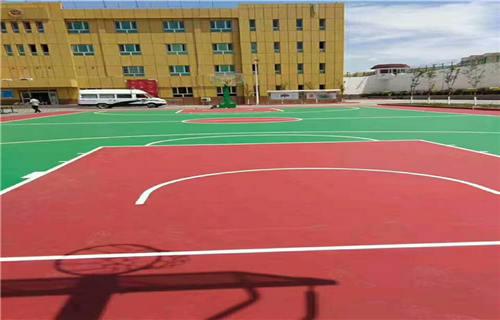 西藏橡胶跑道球场材料球场厂家